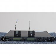 Shure UHF-R Two Channel Package Q5