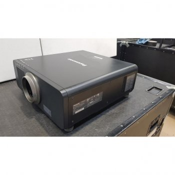 Panasonic PT-DZ870